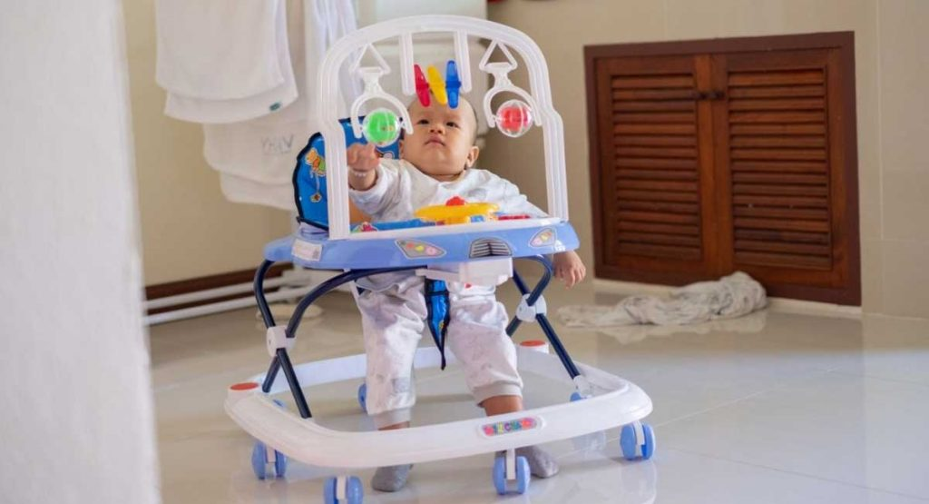 BEST WALKER FOR BABY LEARNING TO WALK